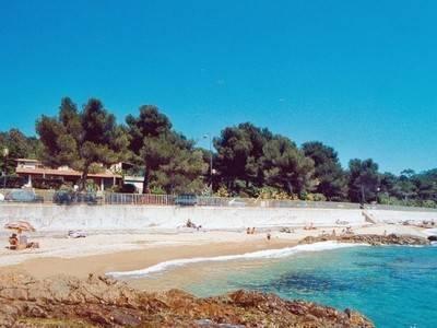 Location Beau 3 pièces en face de la plage de Gigaro WIFI