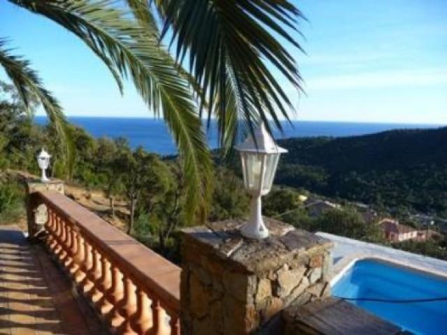 Location Villa De Standing Avec Vue Panoramique Sur La Mer Et Piscine  Privative